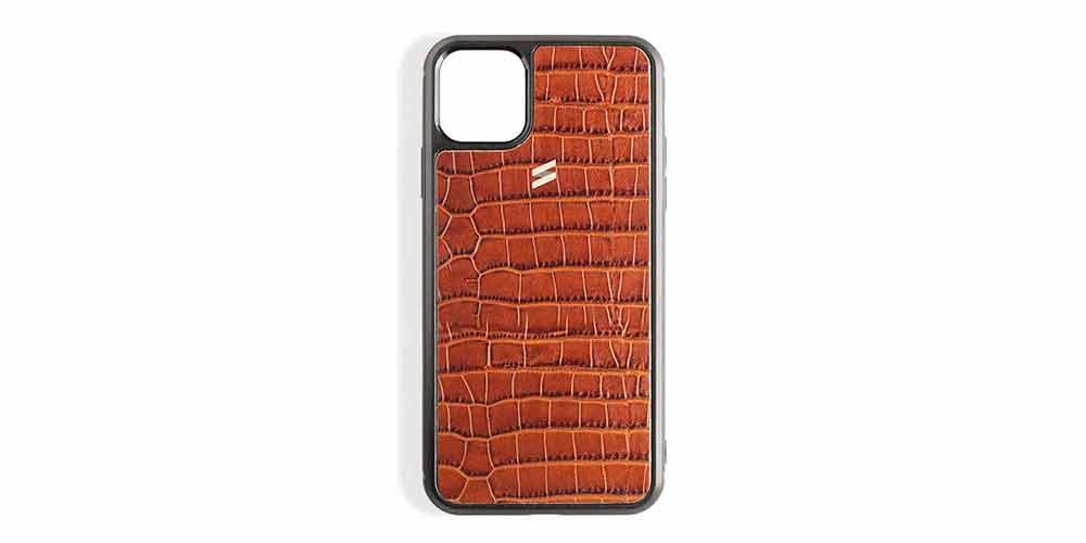 Чехол для iPhone с гравировкой крокодила от Suritt